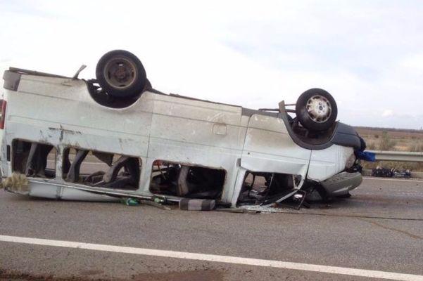 ВРостовской области опрокинулся автобус с сотрудниками