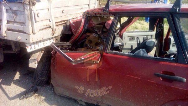 ВРостовской области встолкновении «Газели» и«ВАЗ-2109» умер человек